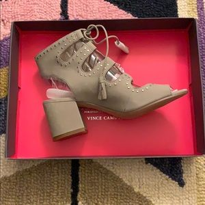 Vince Camuto Peep Gilly Block Heal